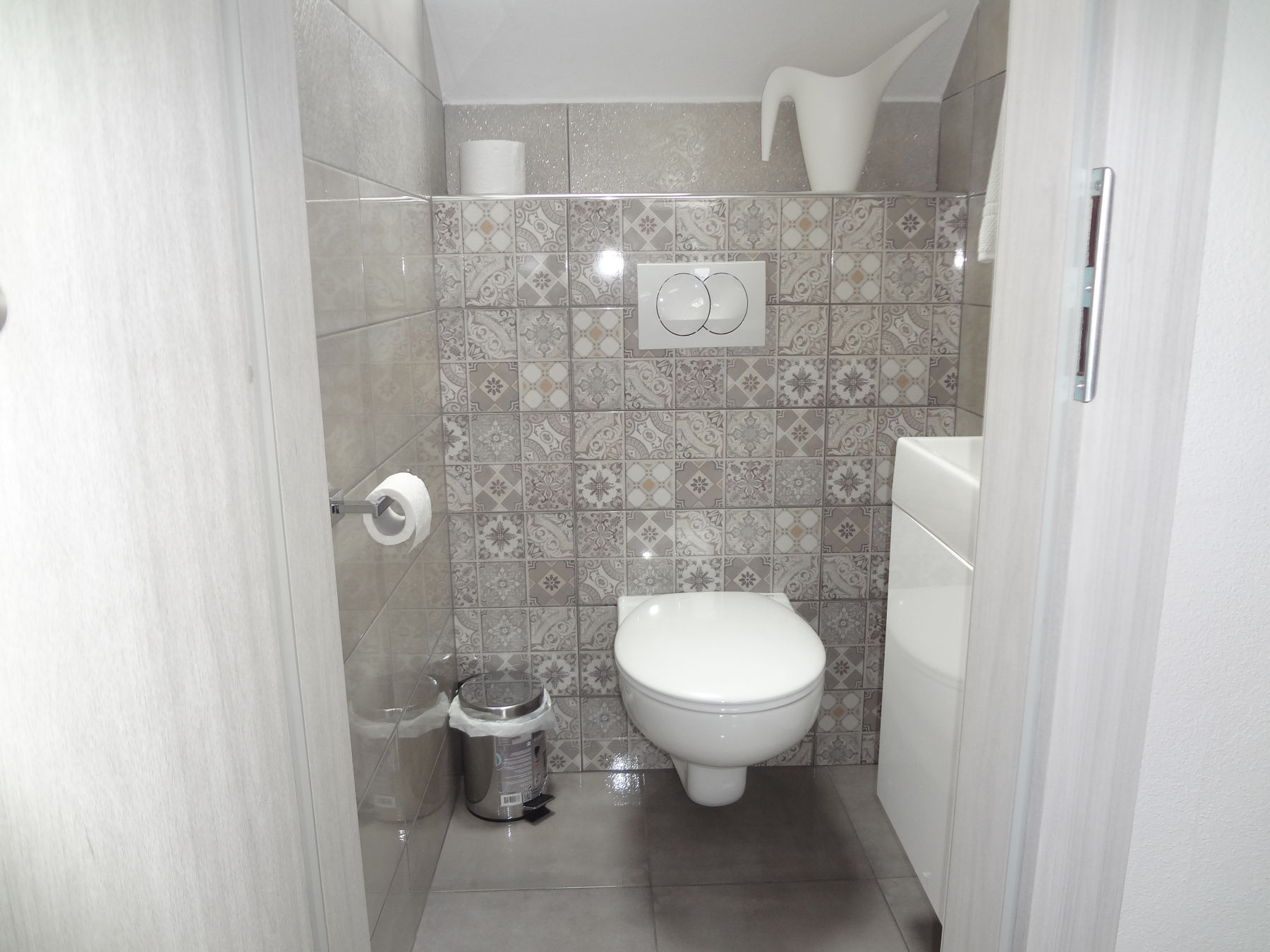 A second toilet in the Fine Stay Apartment in the Bled Area Of Slovenia