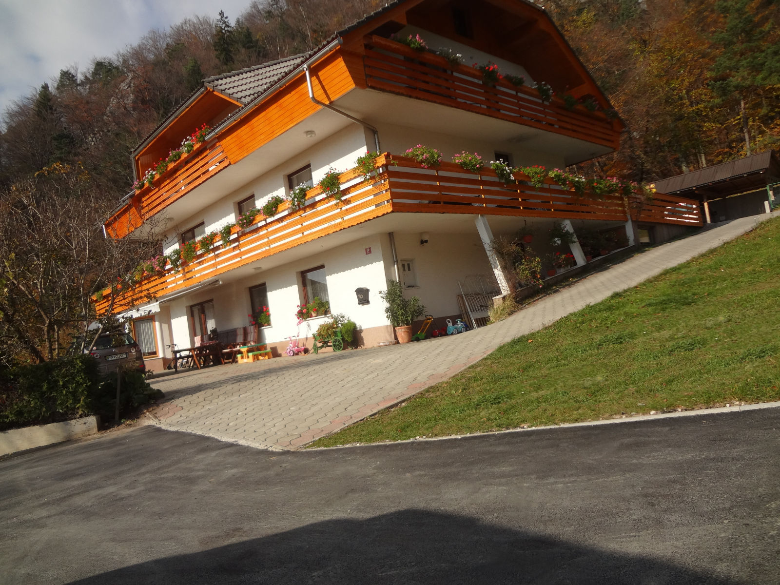 The resurfaced driveway and parking area of Apartments Fine Stay in Slovenia