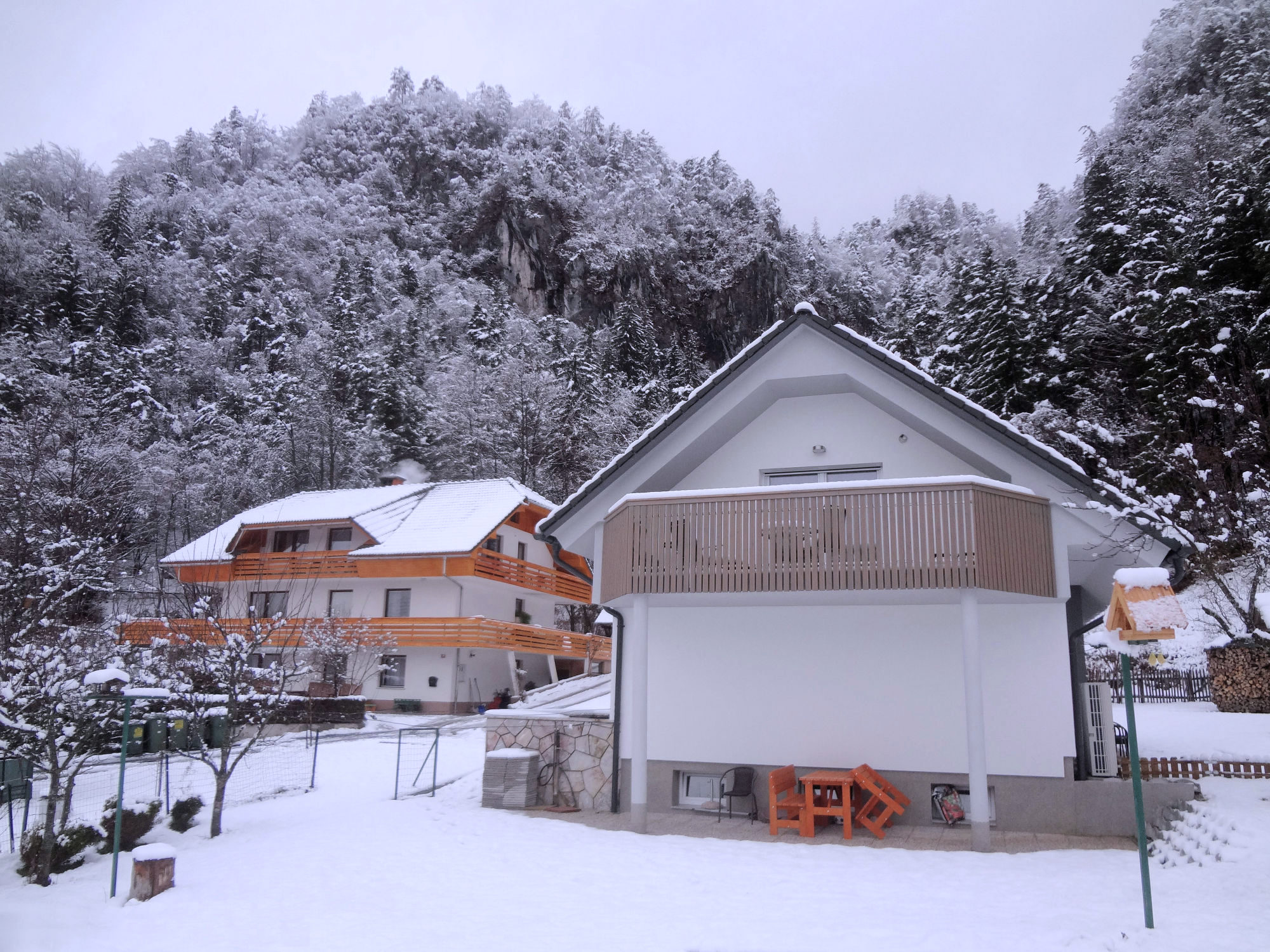 Exterior of Apartments Fine Stay in the winter during snowfall