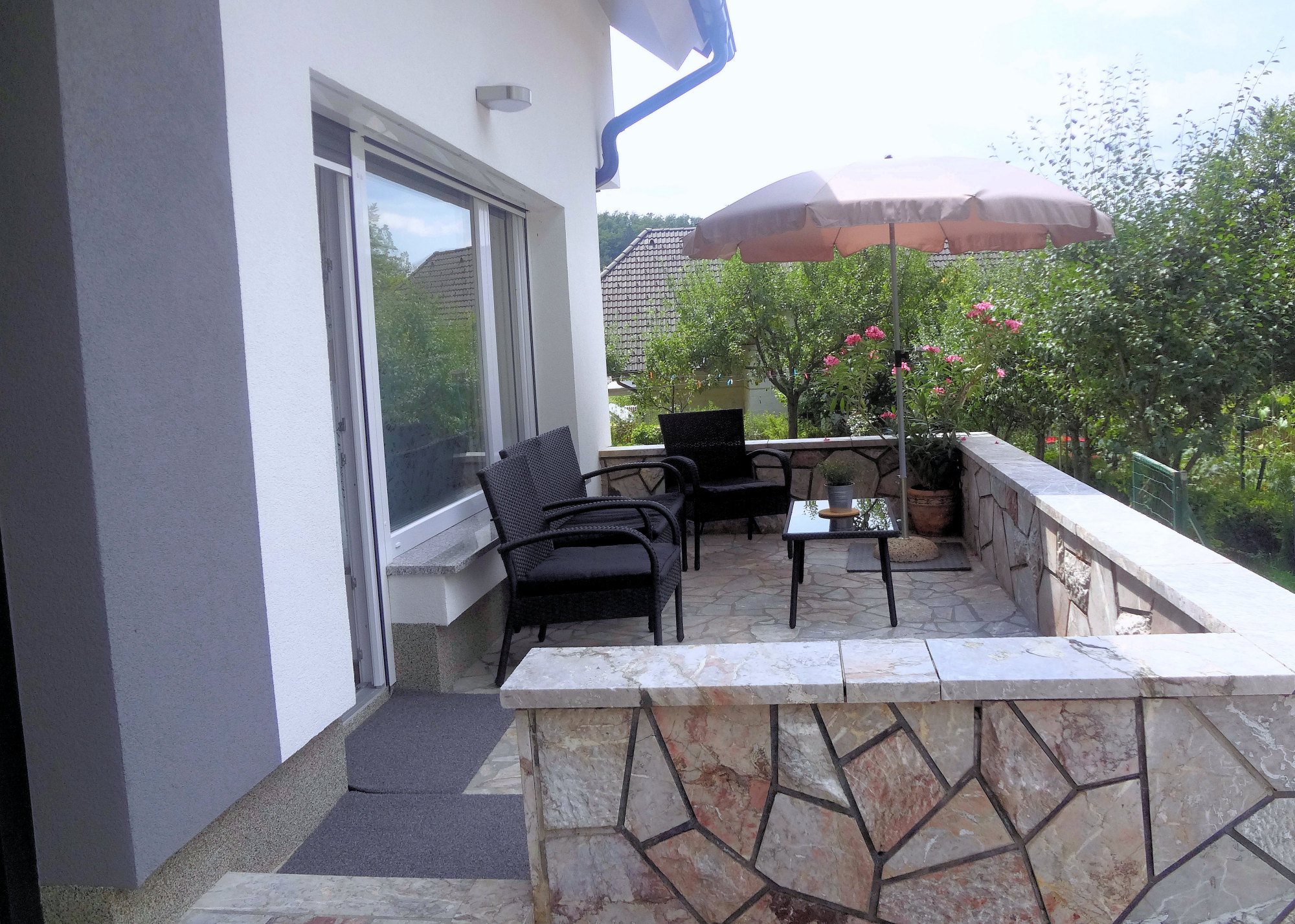 A balcony with garden furniture, Apartments Fine Stay in the Gorenjska region of Slovenia