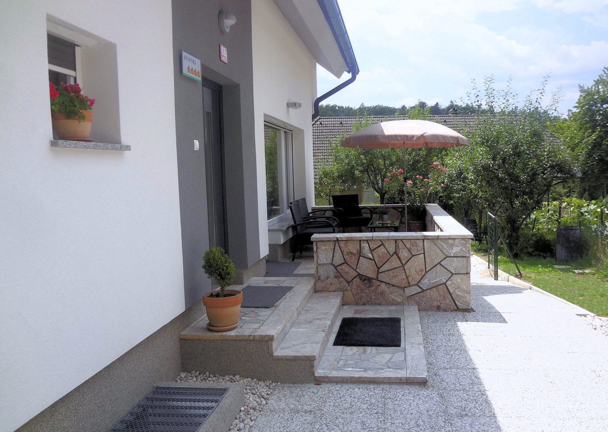 A balcony of Apartments Fine Stay in the Gorenjska region of Slovenia
