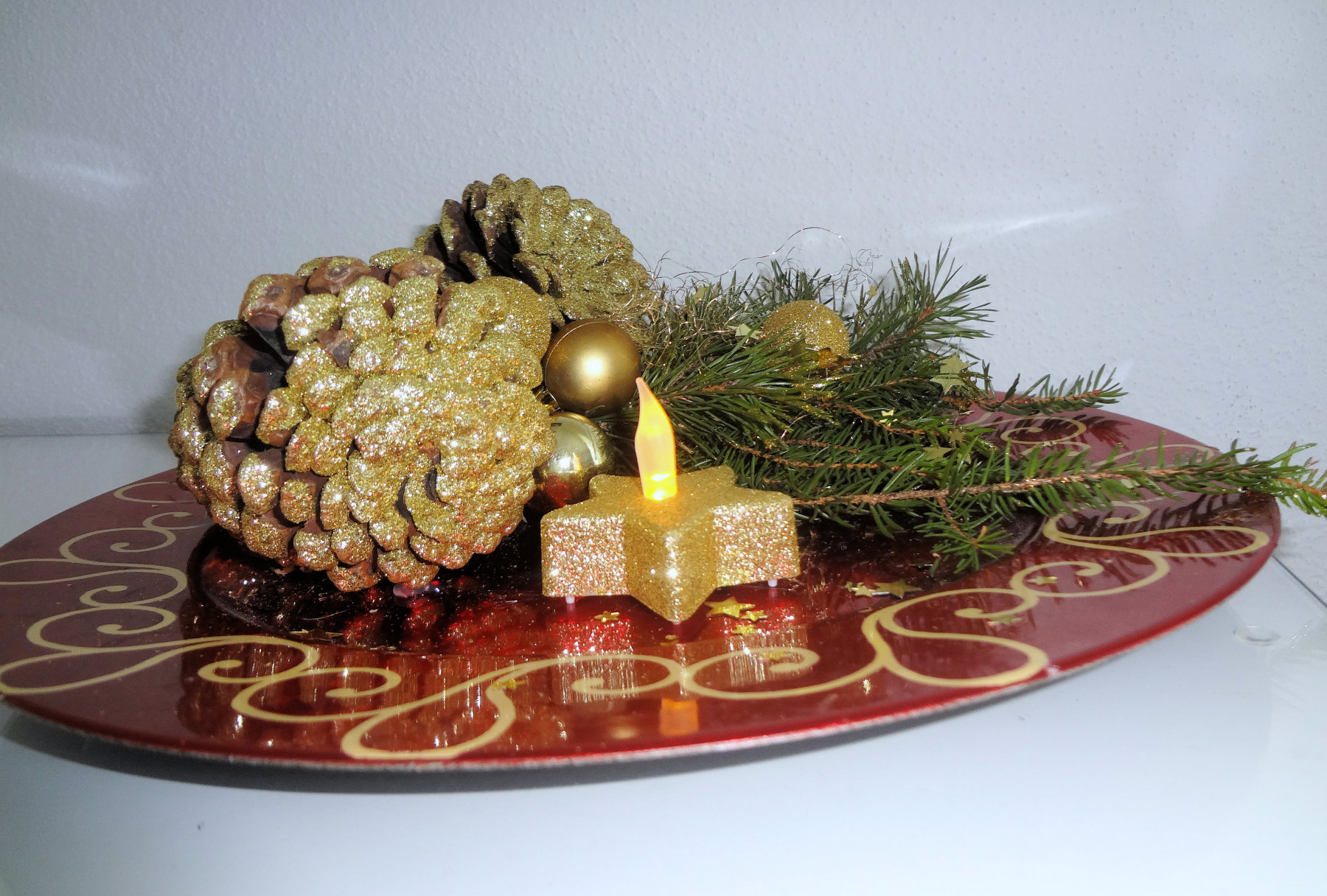 Christmas plate decoration in Apartments Fine Stay
