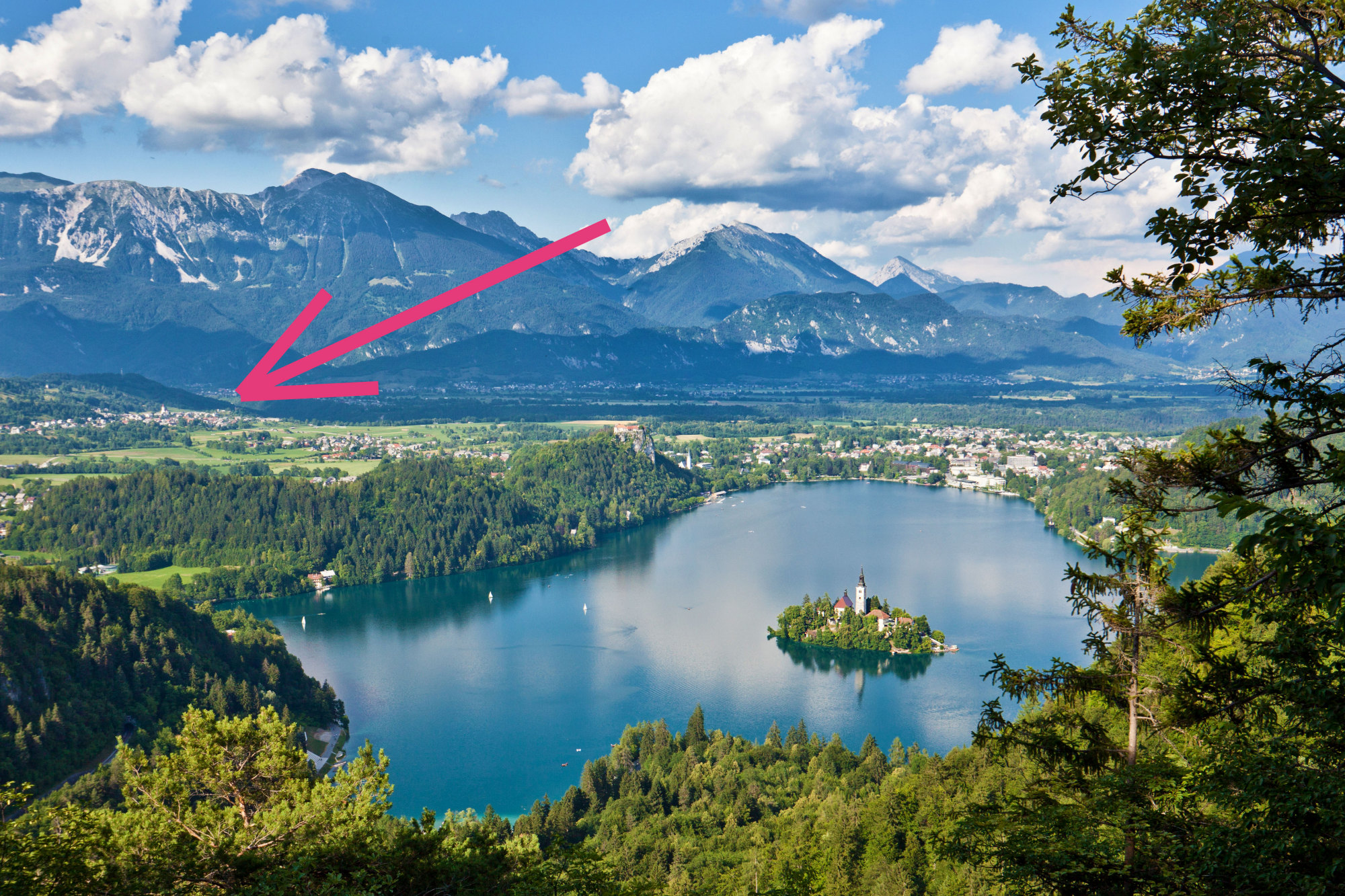Lake Bled and the location of Apartments Fine Stay in the Bled area of Slovenia