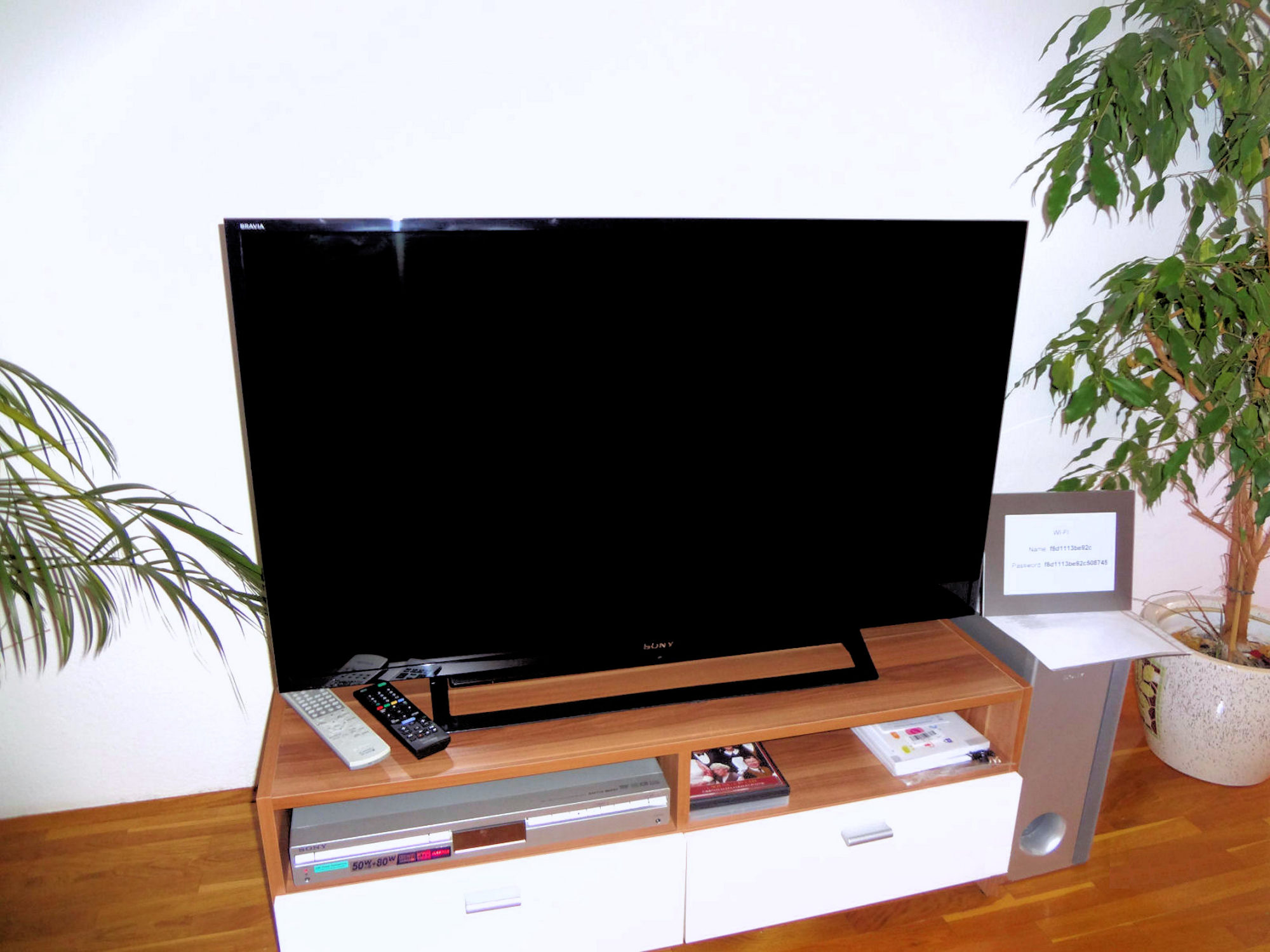 A large flat screen TV with digital channels in Apartments Fine Stay in the Bled area of Slovenia